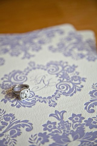 diamond-engagement-ring-with-halo