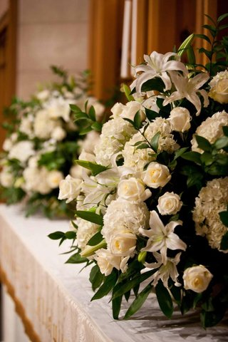 church-wedding-floral-display-decorations