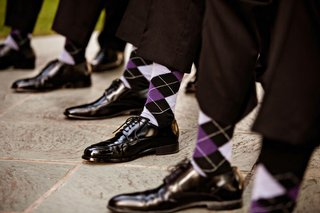 groom-and-groomsmen-in-argyle-socks