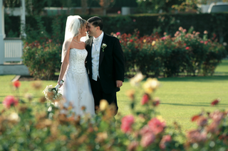husband-and-wife-at-empire-polo-club-rose-garden