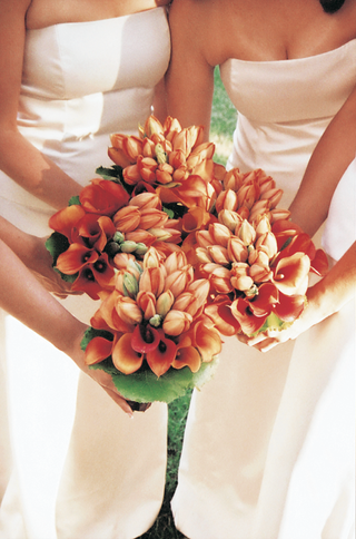 orange-tulips-and-calla-lilies-for-bridesmaid-flowers
