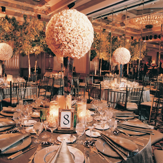 wedding-reception-decorations-and-tables