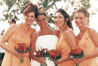 orange-bridesmaid-dresses-and-orange-bouquets