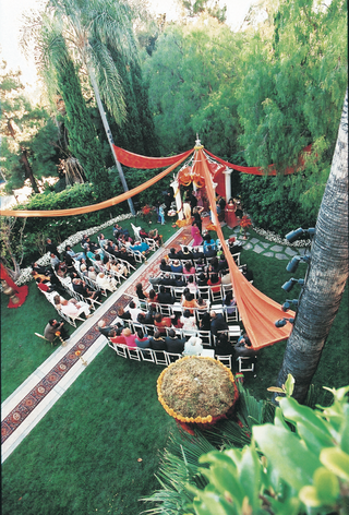 aerial-view-of-beverly-hills-indian-ceremony