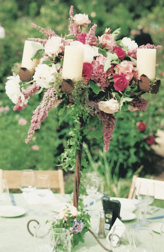 individual-centerpiece-with-flowers-and-candles