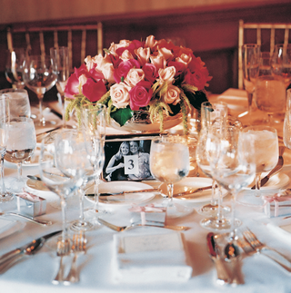 white-linens-and-pink-floral-centerpiece