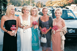 bride-to-be-and-bridesmaids