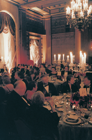 jonathan-club-ballroom-dinner-space-with-guests