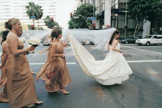 bridesmaids-and-bride-in-city-crosswalk