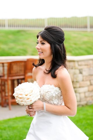bride-with-brown-hair-in-jackie-o-wedding-hairstyle
