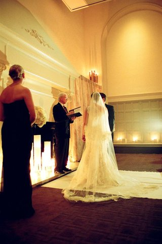 ivory-aisle-runner-and-understated-ballroom-decor
