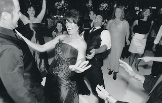 black-and-white-photo-of-guests-on-dance-floor