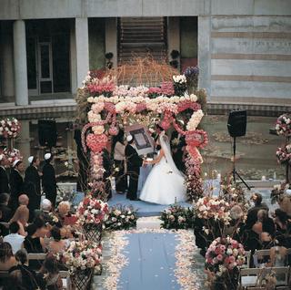 floral-embellished-jewish-chuppah-altar
