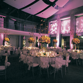white-linens-and-colorful-centerpiece-designs