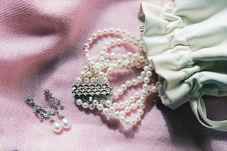 ivory-pearl-bracelet-and-earring-set