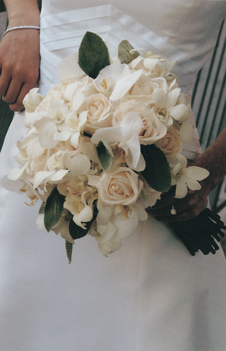 bouquet-of-roses-white-flowers-and-greenery