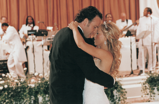 couple-shares-first-dance-in-front-of-band