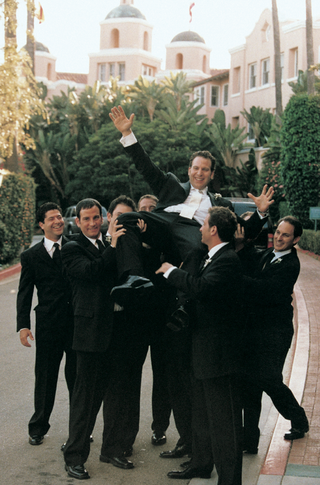 groomsmen-in-front-of-the-beverly-hills-hotel