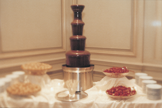 chocolate-fountain-and-cream-puffs-and-berries