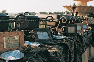 outdoor-reception-dining-buffet
