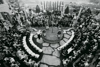 black-and-white-photo-of-round-ceremony-seating