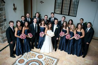 bride-and-groom-with-bridesmaids-and-groomsmen-at-castle