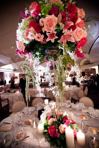 tall-round-wedding-centerpiece-with-pink-and-white-flowers