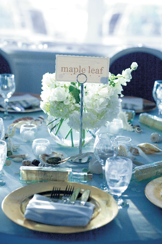 wedding-reception-table-inspired-by-ocean-and-sand