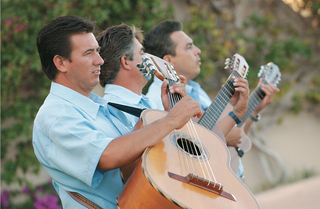 mariachi-band-perform-at-beach-wedding-ceremony