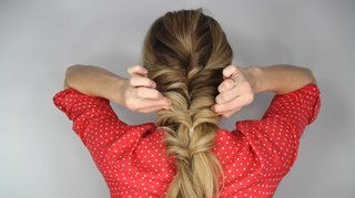 how-to-diy-wedding-hairstyle-topsy-tail-faux-braid-step-number-nine