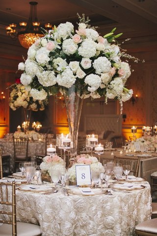 wedding-reception-centerpiece-with-white-and-pink-flowers