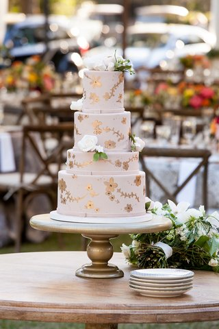 wedding-cake-with-four-tiers-rose-gold-flower-details-and-blush-fondant-decorations-white-flowers