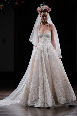 strapless-embroidered-ball-gown-wedding-dress-by-naeem-khan-fall-2016