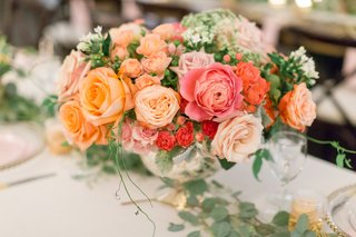 pink-orange-coral-blush-roses-in-silver-bowl-for-wedding-centerpiece