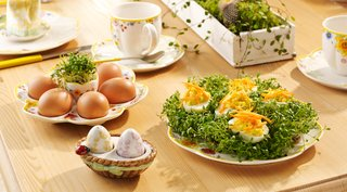 villeroy-boch-easter-breakfast-egg-bowl-and-plate-with-floral-detailing-spring-themed-food