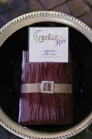 theater-wedding-purple-napkin-treatment-and-menu