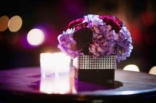 hydrangea-flower-arrangement-with-crystal-wrap