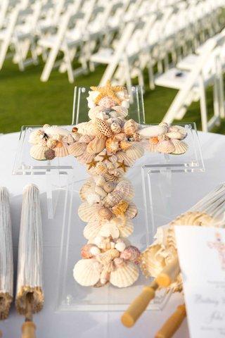 acrylic-stand-with-seashell-and-starfish-cross-parasols-umbrellas-program