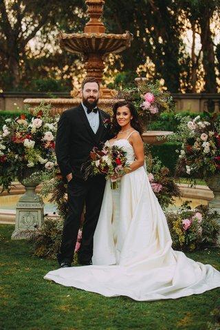 stephanie-perez-and-brandon-hampton-at-greystone-mansion-wedding-ceremony-fountain-at-altar-fall-hue