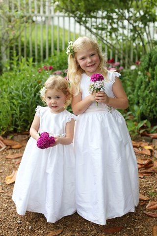 flower-girls-with-white-dresses-floral