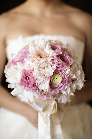pink-ranunculus-and-peony-blossoms