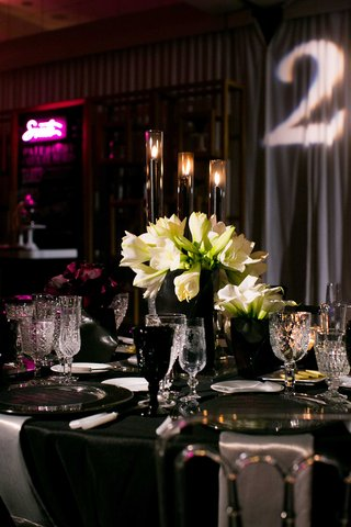 black-and-white-tablescape-for-new-years-eve-wedding