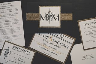 black-and-white-invitations-with-gold-glitter-band