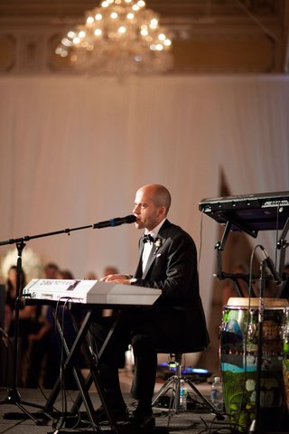 wedding-reception-surprise-performance-by-groom-keyboard-piano-singing-song-written-for-bride