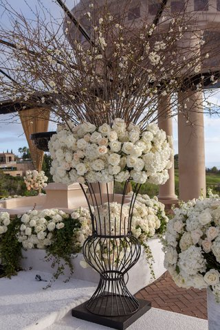 wedding-ceremony-decorations-white-flowers-rose-hydrangea-branches-iron-stand