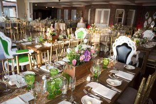 wedding-reception-table-with-burlap-runner-and-wood-box-with-white-and-pink-flowers