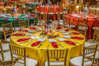 pithi-sangeet-vibrant-dinner-table-decorations