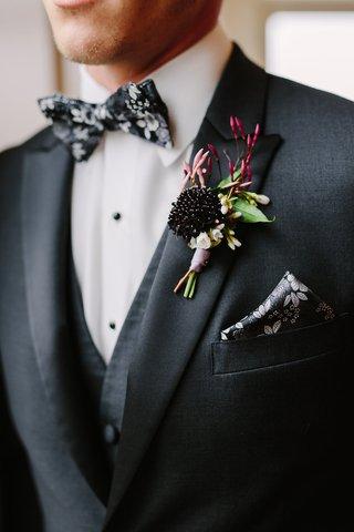 dark-moody-florals-black-white-and-grey-flower-bow-tie-dark-flower-boutonniere-jasmine