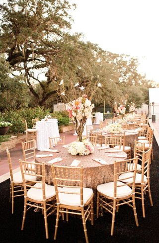 gold-sequin-table-linens-at-outdoor-wedding-reception