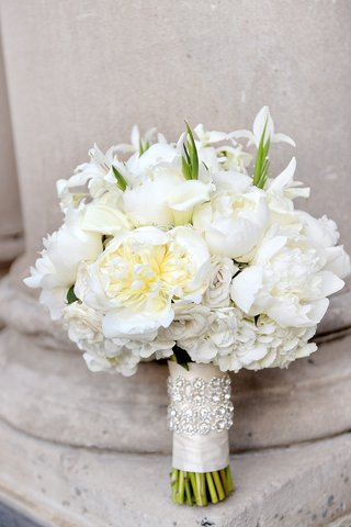 white-rose-white-peony-calla-lily-wedding-bouquet